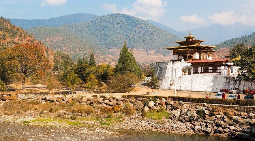 dzong-tour-in-bhutan